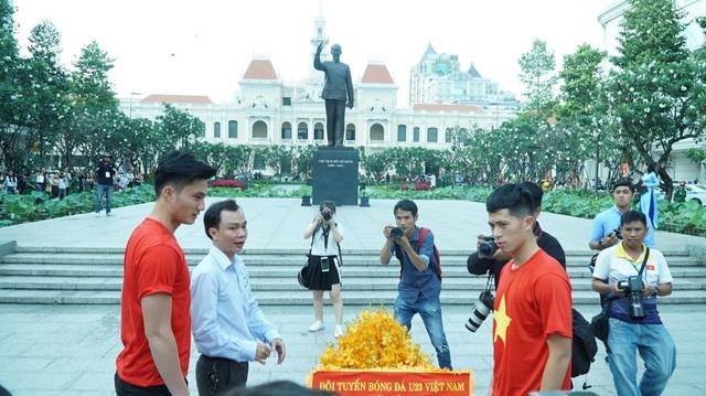 Sự hiện diện của U23 Việt Nam thu hút đông đảo sự chú ý của người hâm mộ TPHCM