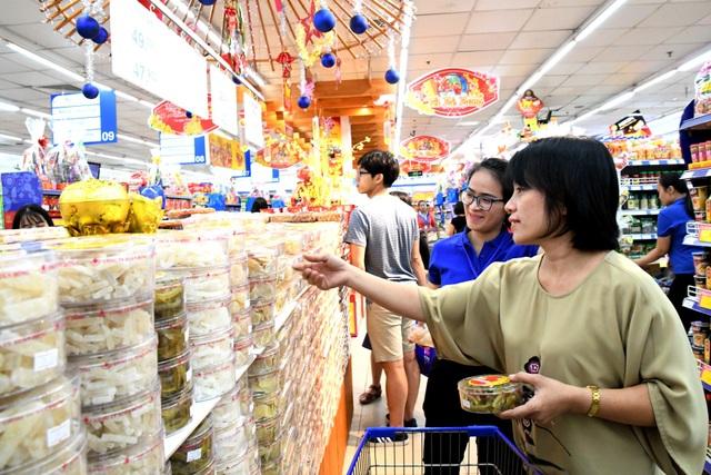 Các loại mứt tết an toàn của Co.opmart thu hút người tiêu dùng nhờ vị ngon nguyên thủy