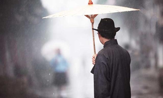 Chuyện chiếc ô của vị phú thương và bài học thành công đến từ sự bình tĩnh - 1