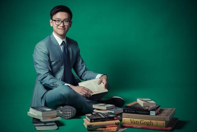 Nguyễn Hoàng Phong (Sinh viên Việt tại Đại học Cornell, Mỹ) là một trong 30 gương mặt dưới 30 tuổi nổi bật nhất Việt Nam năm 2018, theo Forbes bình chọn.