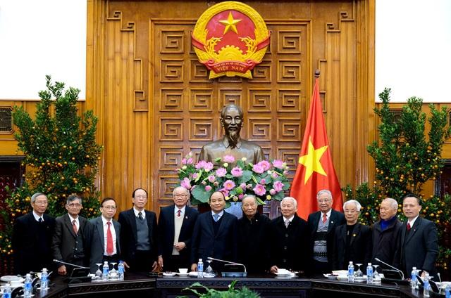 Thủ tướng và Ban liên lạc cựu chuyên gia Việt Nam giúp cách mạng Campuchia sáng 6/2