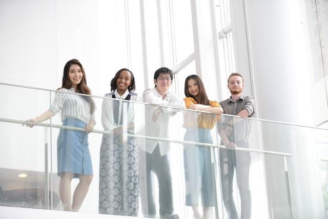 Cô gái Việt tích cực quảng bá văn hóa dân tộc ở Tokyo qua các sự kiện sinh viên.
