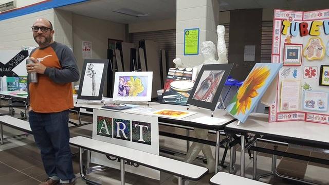 Gian hàng môn vẽ nghệ thuật.