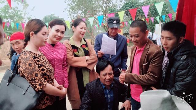 """Kim Oanh tham gia bộ phim hài """"Đại gia chân đất"""" và """"Làng ế vợ"""" của đạo diễn Bình Trọng."""