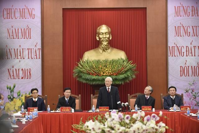 Tổng Bí thư chủ trì cuộc gặp mặt chúc tết đội ngũ trí thức, văn nghệ sĩ.