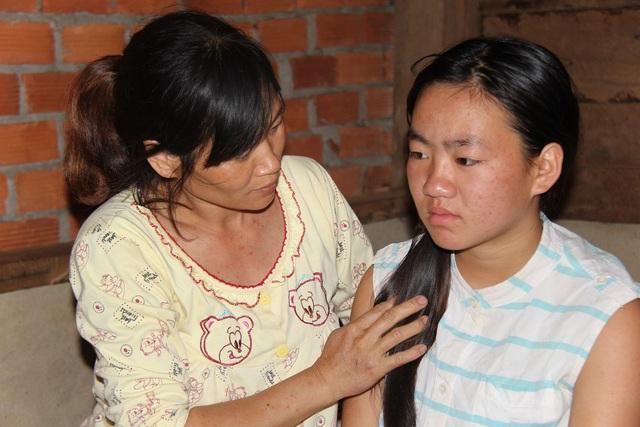 Tai ương ập xuống với gia đình nhỏ khi Hoài mắc bệnh u mạch hang dẫn đến động kinh