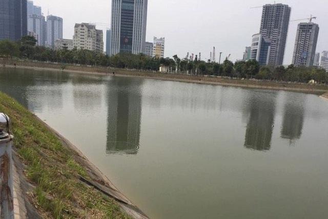 Hồ điều hòa công viên cầu Giấy, phường Dịch Vọng, quận Cầu Giấy, nơi xảy ra vụ tai nạn thương tâm.