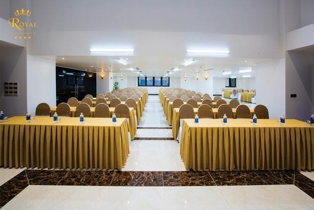 Phòng tổ chức hội nghị tối tân