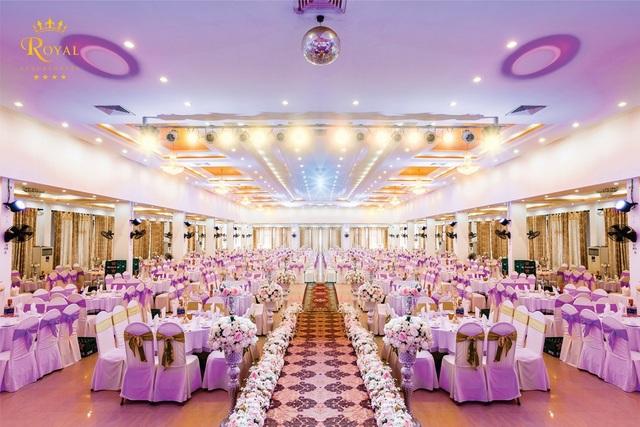 Không gian tiệc cưới hiện đại có sức chứa rất lớn