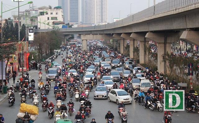 Trên đường Nguyễn Trãi lưu lượng giao thông tăng lên đột biến.
