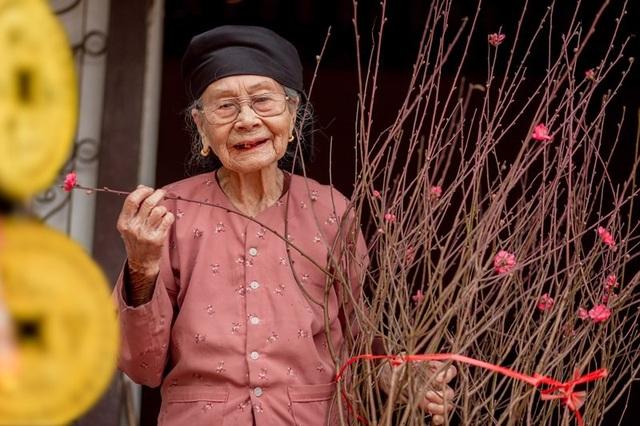 Ấm áp bộ ảnh Tết của cụ bà 100 tuổi ở Thái Nguyên - 2