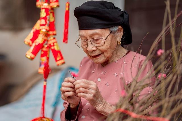Ấm áp bộ ảnh Tết của cụ bà 100 tuổi ở Thái Nguyên - 10