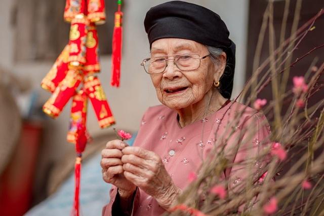 Ấm áp bộ ảnh Tết của cụ bà 100 tuổi ở Thái Nguyên - 11