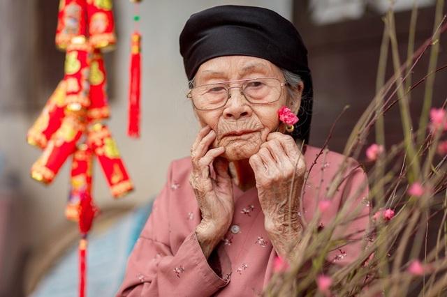 Ấm áp bộ ảnh Tết của cụ bà 100 tuổi ở Thái Nguyên - 13