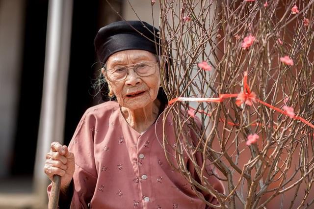 Ấm áp bộ ảnh Tết của cụ bà 100 tuổi ở Thái Nguyên - 14
