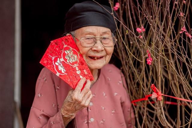 Ấm áp bộ ảnh Tết của cụ bà 100 tuổi ở Thái Nguyên - 1