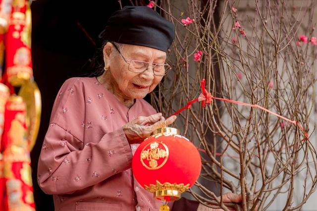 Ấm áp bộ ảnh Tết của cụ bà 100 tuổi ở Thái Nguyên - 4