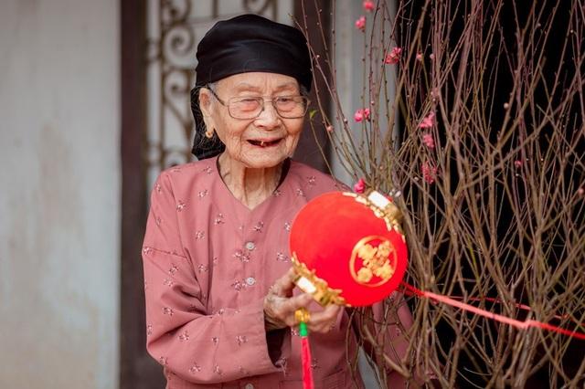 Ấm áp bộ ảnh Tết của cụ bà 100 tuổi ở Thái Nguyên - 6