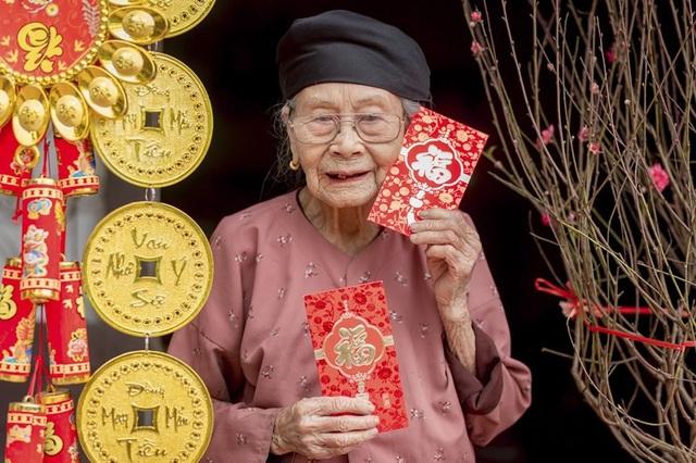Ấm áp bộ ảnh Tết của cụ bà 100 tuổi ở Thái Nguyên - 9