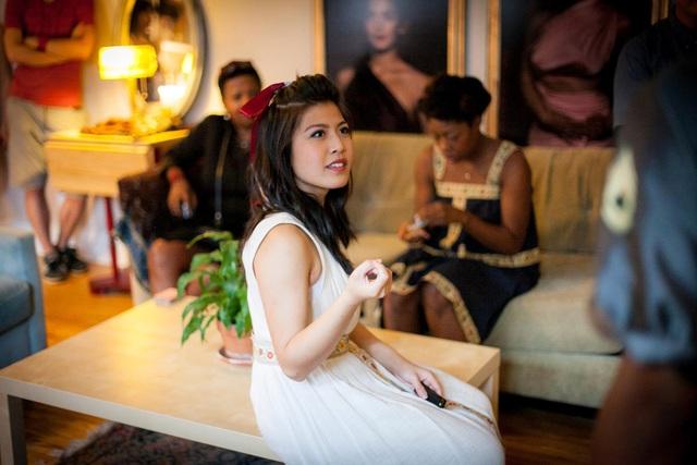 Sở thích của 9X gốc Việt là đọc sách, tình nguyện, nấu ăn, diễn xuất.