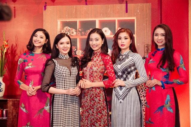 Các người đẹp tỏa sắc duyên dáng với áo dài truyền thống