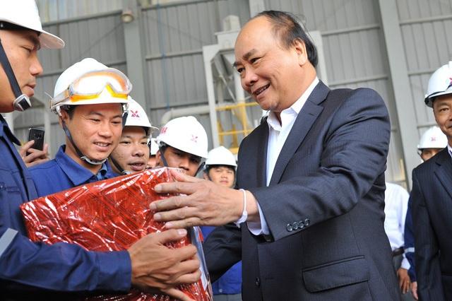 Thủ tướng đề nghị Công ty Alumin Nhân Cơ chú trọng đời sống của cán bộ, công nhân