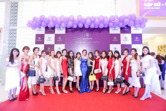 Gala tri ân khách hàng và cán bộ nhân viên của Công ty TNHH Mỹ phẩm Huyền Phi
