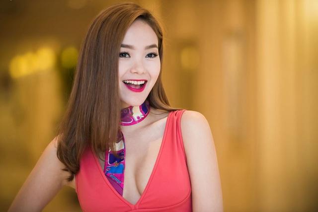 được cho có nhiều nét tương đồng với ca sĩ Minh Hằng.