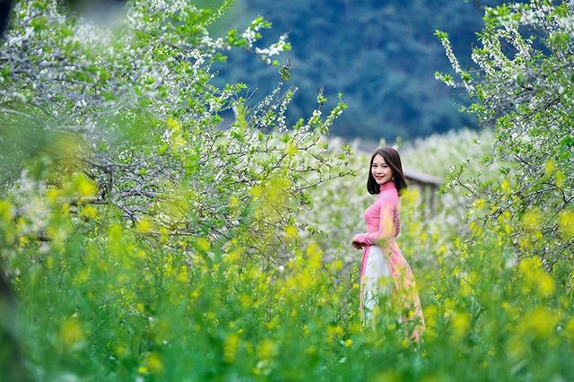 Tết này, cô giáo trẻ và bạn bè sẽ còn ghé thăm nhiều địa điểm đẹp khác trên đất nước mình để tận hưởng tuổi trẻ.