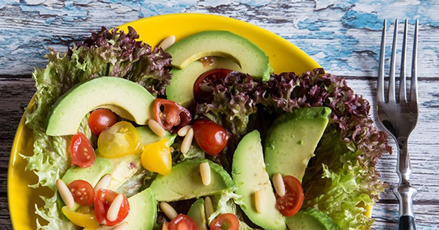 Chế độ ăn low-carb có thể dẫn đến giảm cân nhanh, nhưng cũng có những phản ứng phụ.