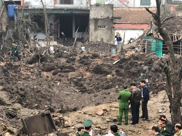 Hố sâu tại hiện trường vụ nổ
