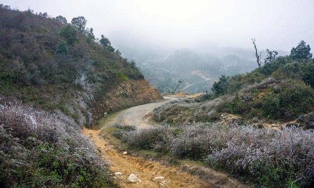 Băng tuyết xuất hiện và bao trùm một vùng rộng lớn tại bản Trống Páo Sang (Yên Bái)