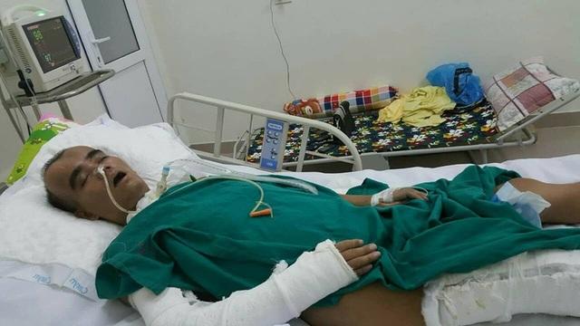 Tai nạn bị ô tô tông, khiến thầy Dũng bị đa chấn thương, hôn mê suốt 7 tháng nay.