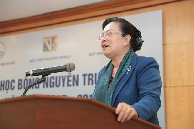 40 suất học bổng Nguyễn Trường Tộ đầu tiên đến với sinh viên nghèo vượt khó Hà Nội - 5
