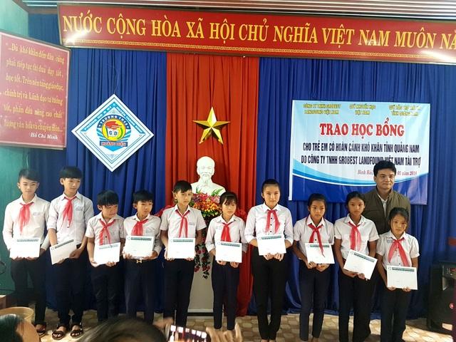 Trong đợt này, có tất cả 250 em học sinh trên địa bàn Quảng Nam được nhận học bổng