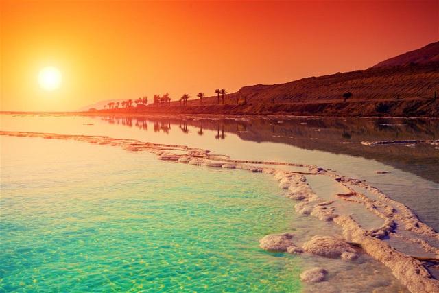 Vẻ đẹp lãng mạn ở biển Chết