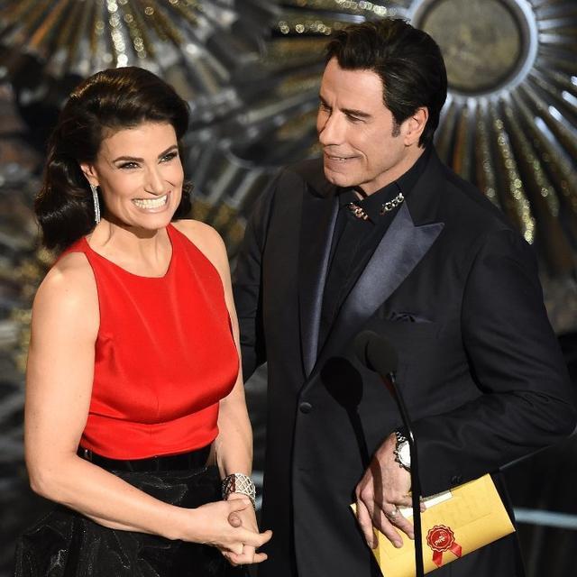 John Travolta gọi nhầm tên nữ nghệ sĩ