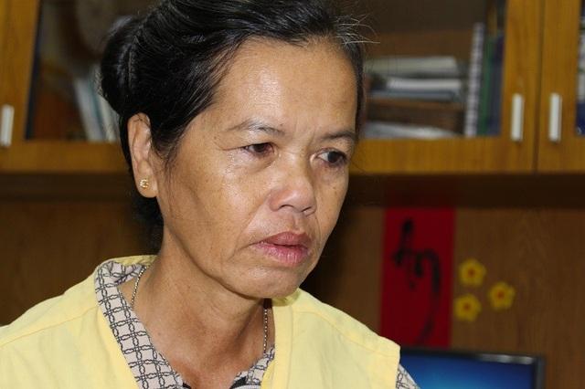 Bà Phong đau đớn, bế tắc cầu  mong sự giúp đỡ với hi vọng giữ lại sinh mạng cho con