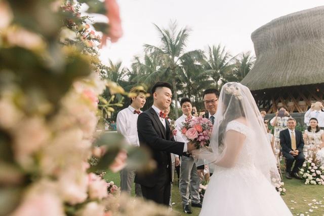 Hôn lễ của cặp đôi kéo dài 2 ngày 3 đêm tại Đà Nẵng. Số tiền 10 tỷ đồng dùng để chi cho nhiều hạng mục.