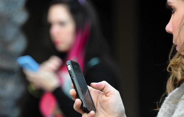 Gọi điện đòi nợ và đe dọa chỉ vì xài SIM của người khác