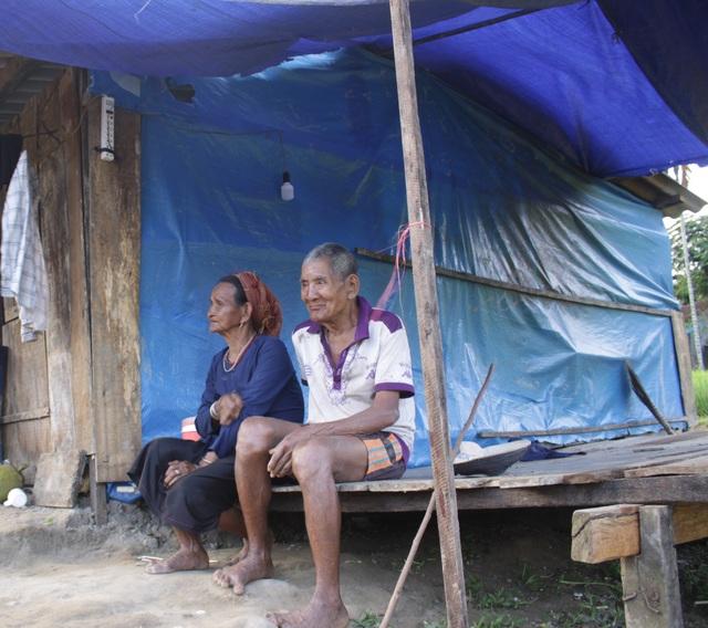 Người dân thôn Kà La mong chờ địa điểm để dựng lại nhà mới nhằm ổn định cuộc sống