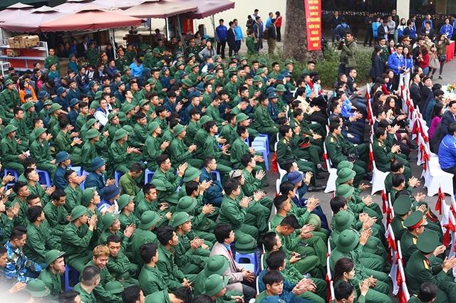 Toàn cảnh buổi gặp mặt của Thành Đoàn Hà Nội với các tân binh