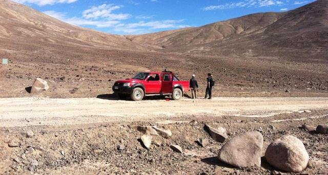Cơn mưa bão hiếm đánh thức vi khuẩn chưa chết ở Sa mạc Atacama của Chile - 1