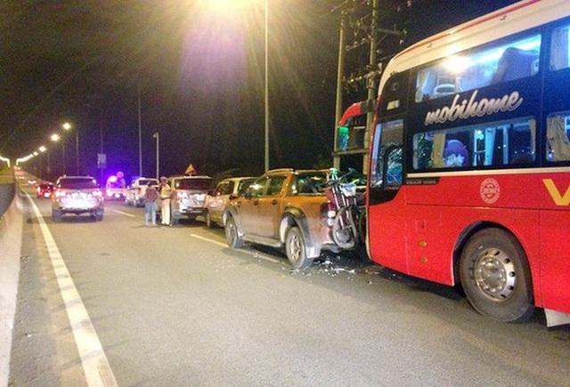 Tai nạn liên hoàn trên cao tốc Dầu Giây vì không giữ tốc độ.