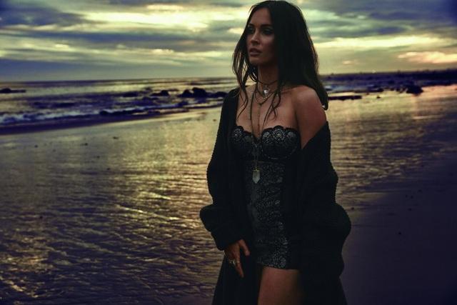 Nữ diễn viên 31 tuổi chia sẻ, cô mong mọi phụ nữ luôn đẹp, nỗ lực để mặc đẹp và hướng tới hình ảnh hoàn hảo