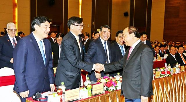 Thủ tướng Chính phủ Nguyễn Xuân Phúc gặp gỡ doanh nghiệp và lãnh đạo tỉnh Nghệ An