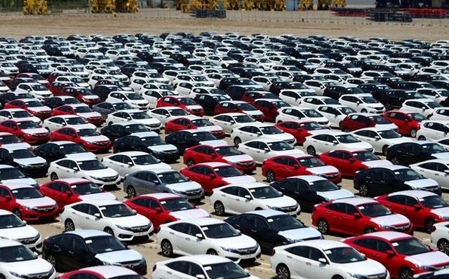 Lô xe Honda hiện đang nằm ở cảng chờ hoàn thiện thủ tục.