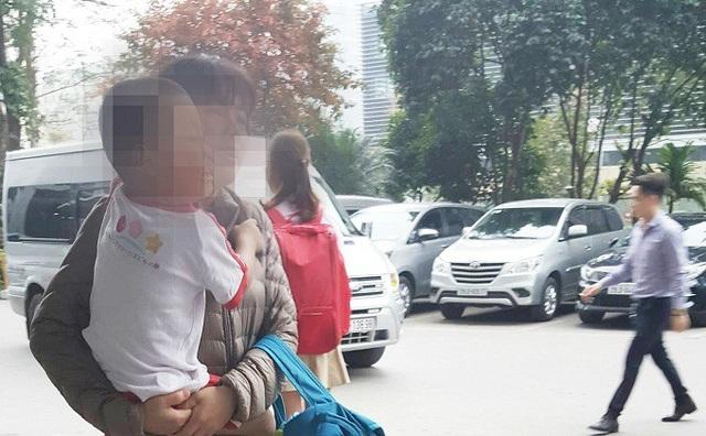 Chị Thơm hiện làm giúp việc trông trẻ cho một gia đình người Hàn Quốc ở khu vực Mỹ Đình.
