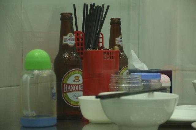 Các vật dụng mà cựu Tổng thống Mỹ sử dụng tại quán hồi năm 2016 đều là những dụng cụ bình thường được sử dụng hàng ngày ở quán.
