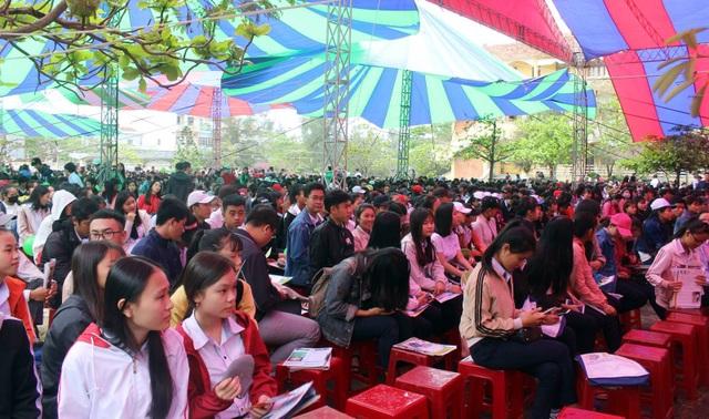 Gần 4.000 học sinh lớp 12 ở Phú Yên tham gia chương trình tư vấn tuyển sinh - hướng nghiệp năm 2018.